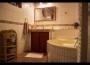 Vidiecky dom na prenájom v Senci - kúpeľňa